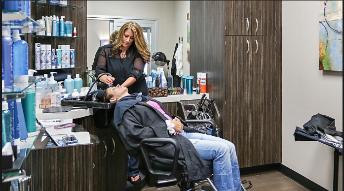 Key benefits of going to a beauty salon